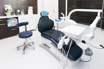 八王子の歯医者「小松歯科医院」の個室診察室